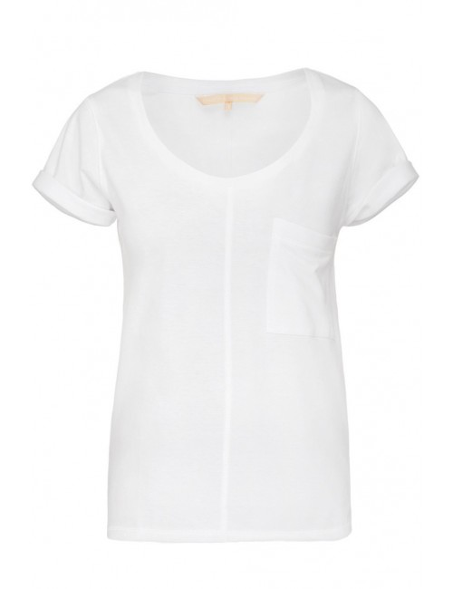 Classic white t-shirt with pocket